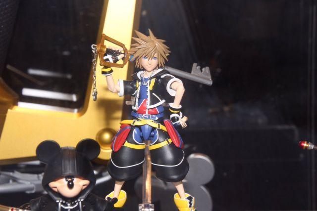 Sora (Kingdom Hearts II ver.) SHFiguarts figure 20