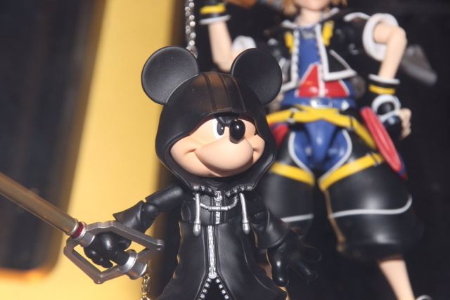 Mickey (Kingdom Hearts II ver.) SHFiguarts figure 3