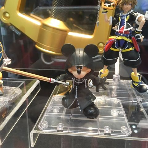 Mickey (Kingdom Hearts II ver.) SHFiguarts figure 4